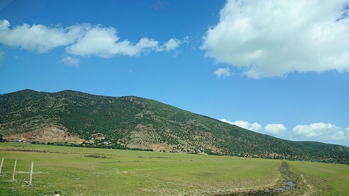 チュニジア:チュニスからイシュケウル国立公園の近くに来る9