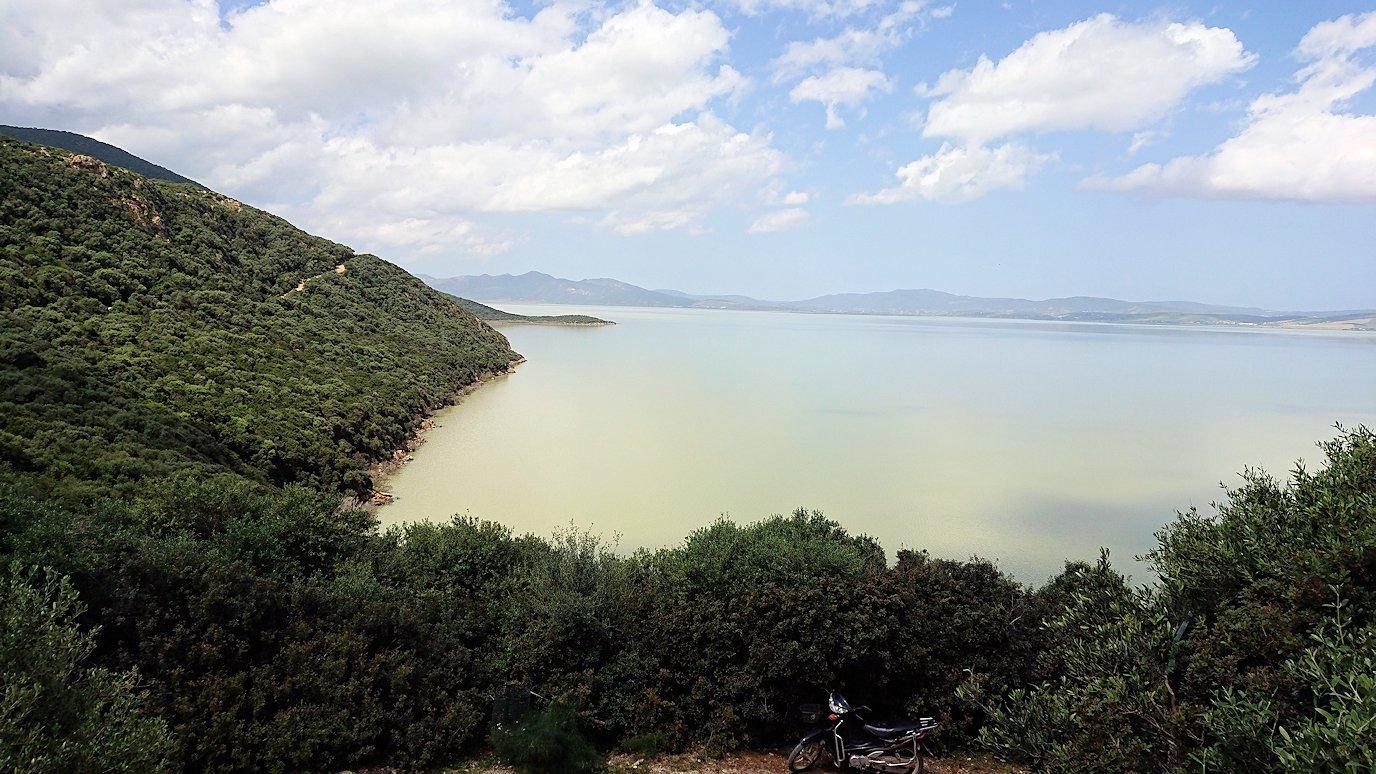 チュニジア:イシュケウル国立公園で記念撮影を2