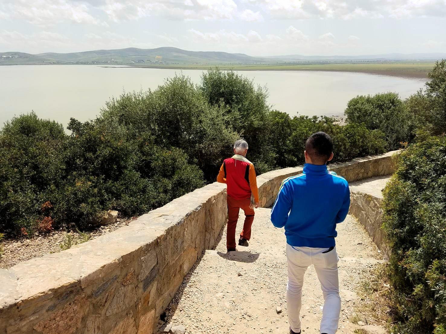 チュニジア:イシュケウル国立公園で記念撮影を楽しむ