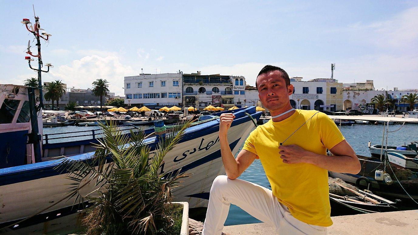 チュニジア:ビゼルトの街を歩いていく1