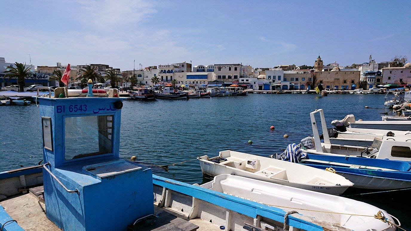 チュニジア:ビゼルトの街を歩いていく7