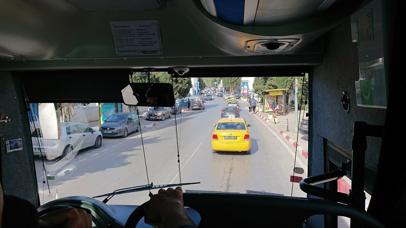 チュニジア:シディ・ブ・サイドの近くに着く1