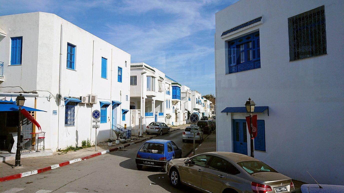チュニジア:シディ・ブ・サイドの近くに着く4