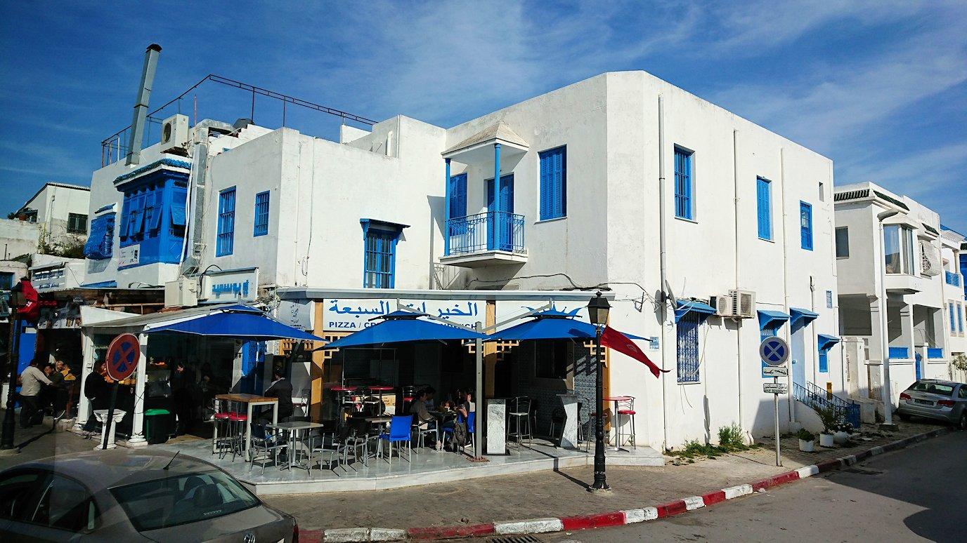 チュニジア:シディ・ブ・サイドの近くに着く5