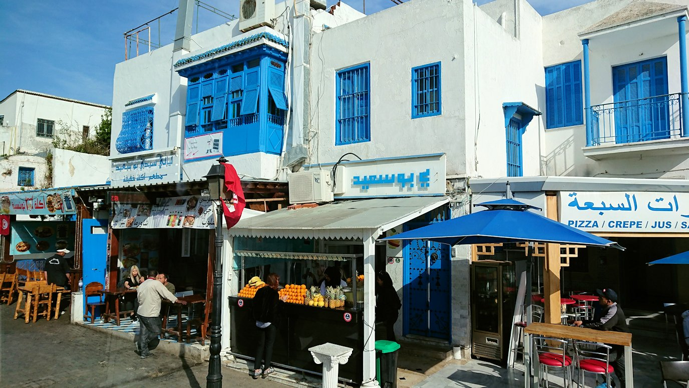 チュニジア:シディ・ブ・サイドの近くに着く6