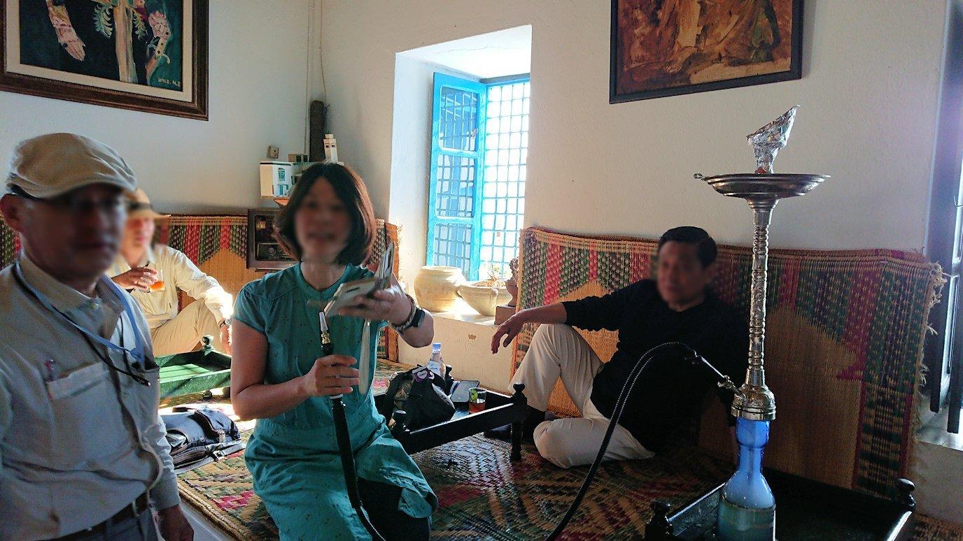 チュニジア:シディ・ブ・サイドのカフェ・デ・ナットで水タバコを楽しむ6