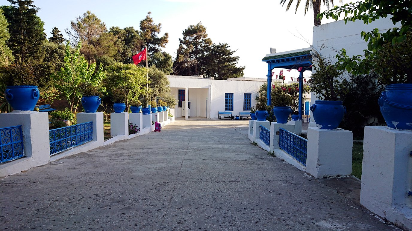 チュニジア:シディ・ブ・サイドで最後まで写真を撮り続ける6