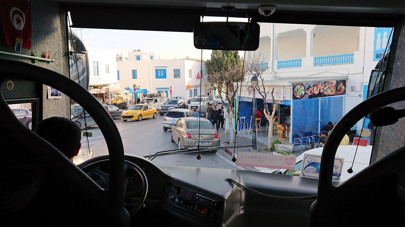 チュニジア:シディ・ブ・サイドから夕食レストランに向かう1