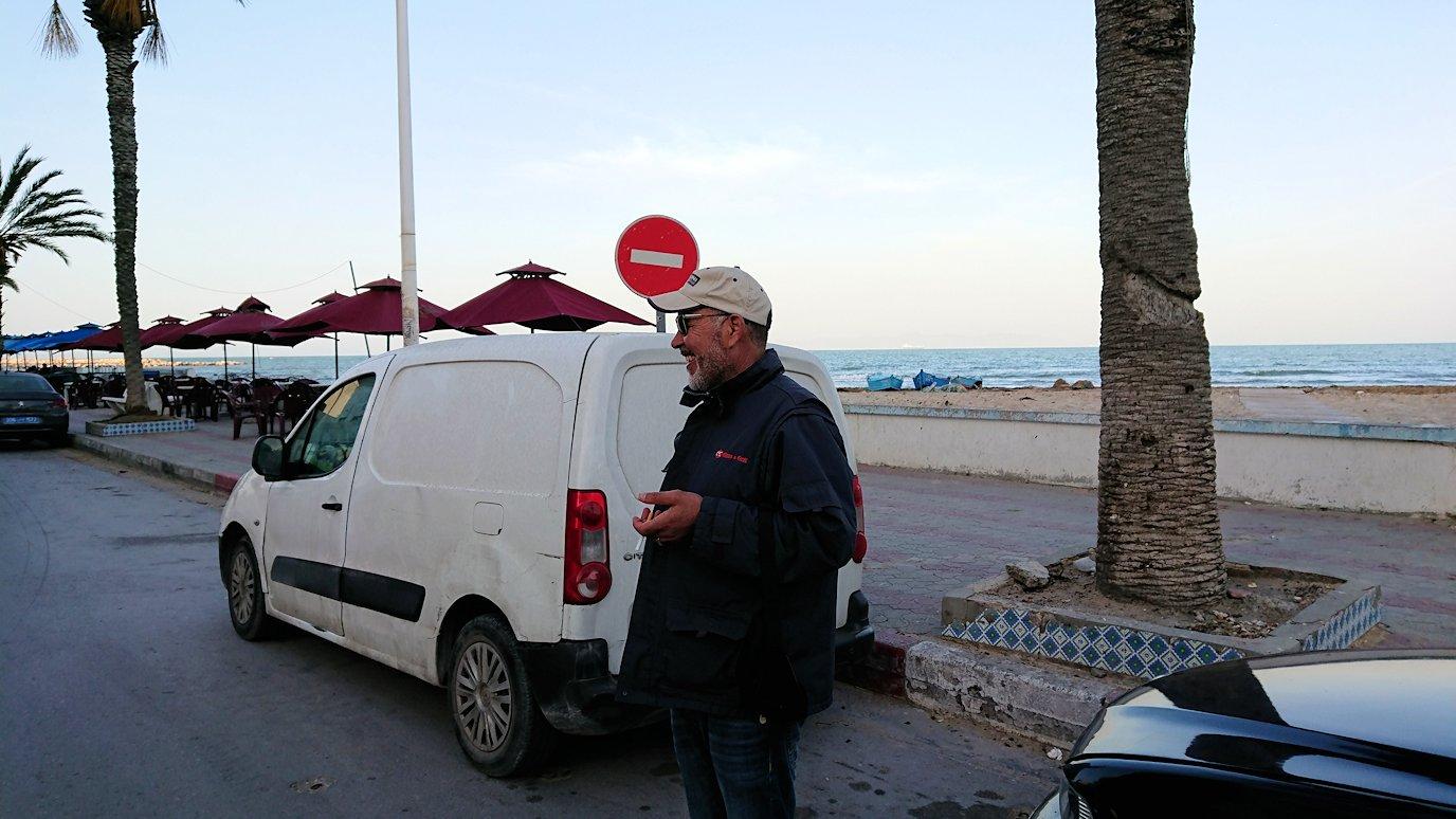 チュニジア:シディ・ブ・サイドから夕食レストランに向かう8