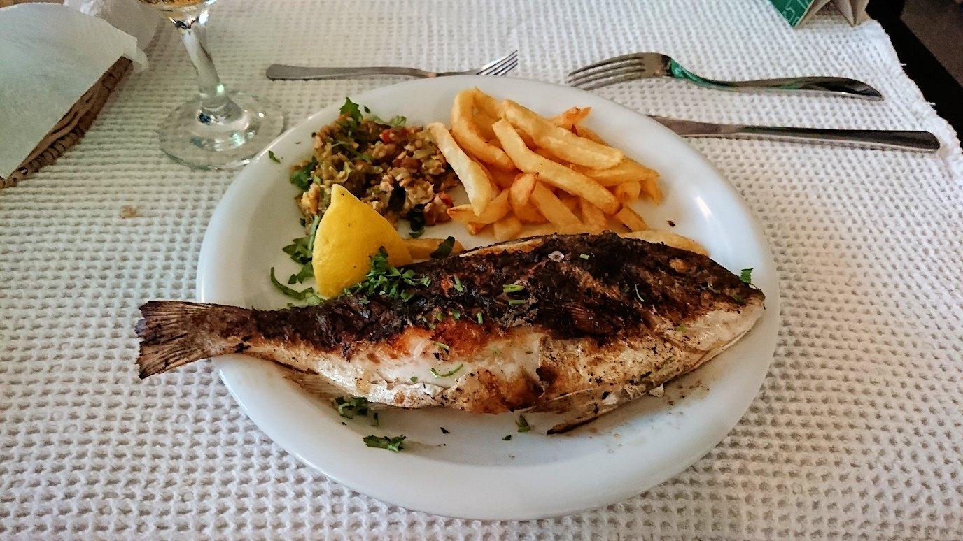 チュニジア:ラ・グレットにあるレストランで最後の晩餐を頂く1