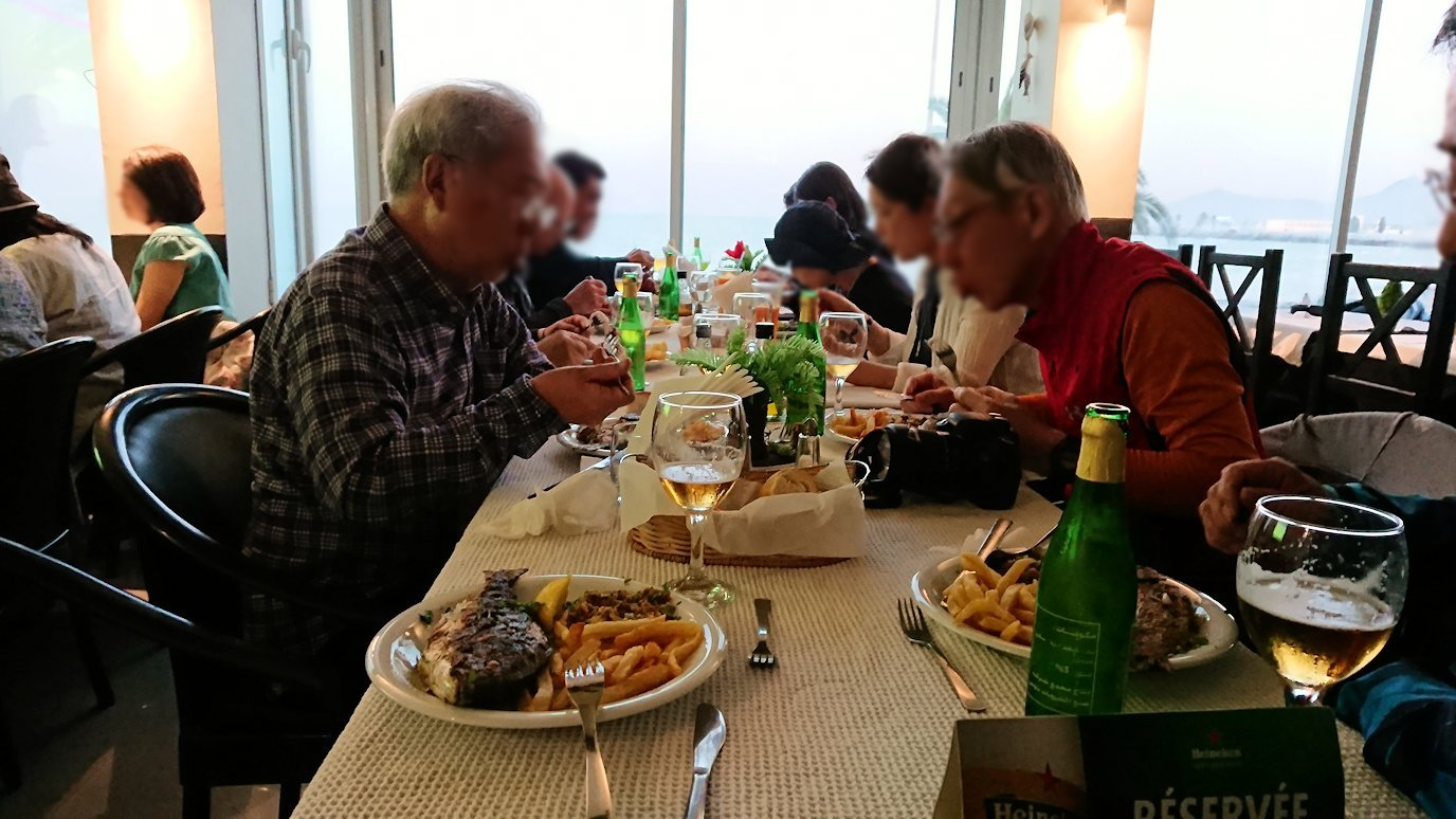 チュニジア:ラ・グレットにあるレストランで最後の晩餐を頂く3