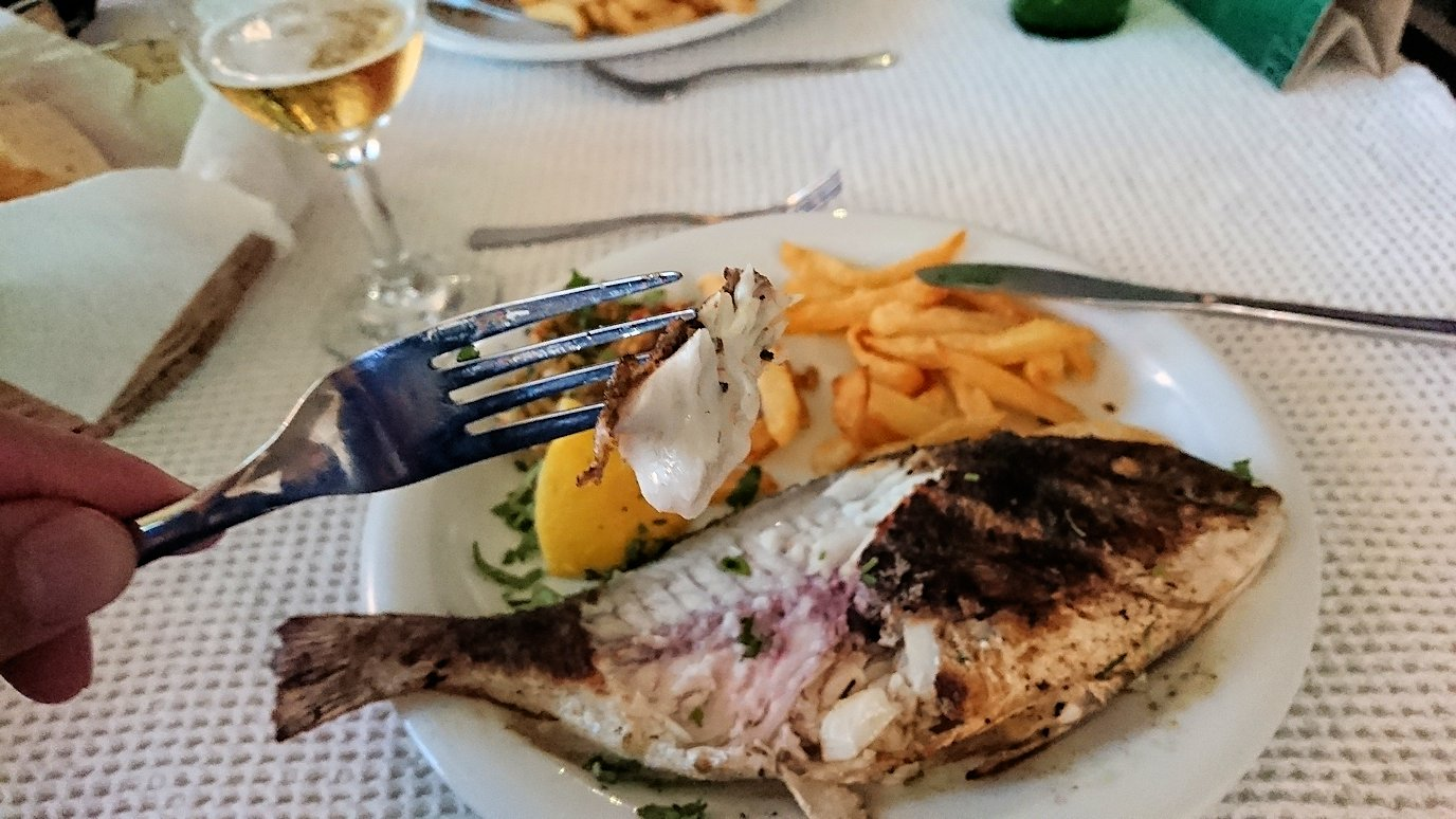 チュニジア:ラ・グレットにあるレストランで最後の晩餐を頂く4