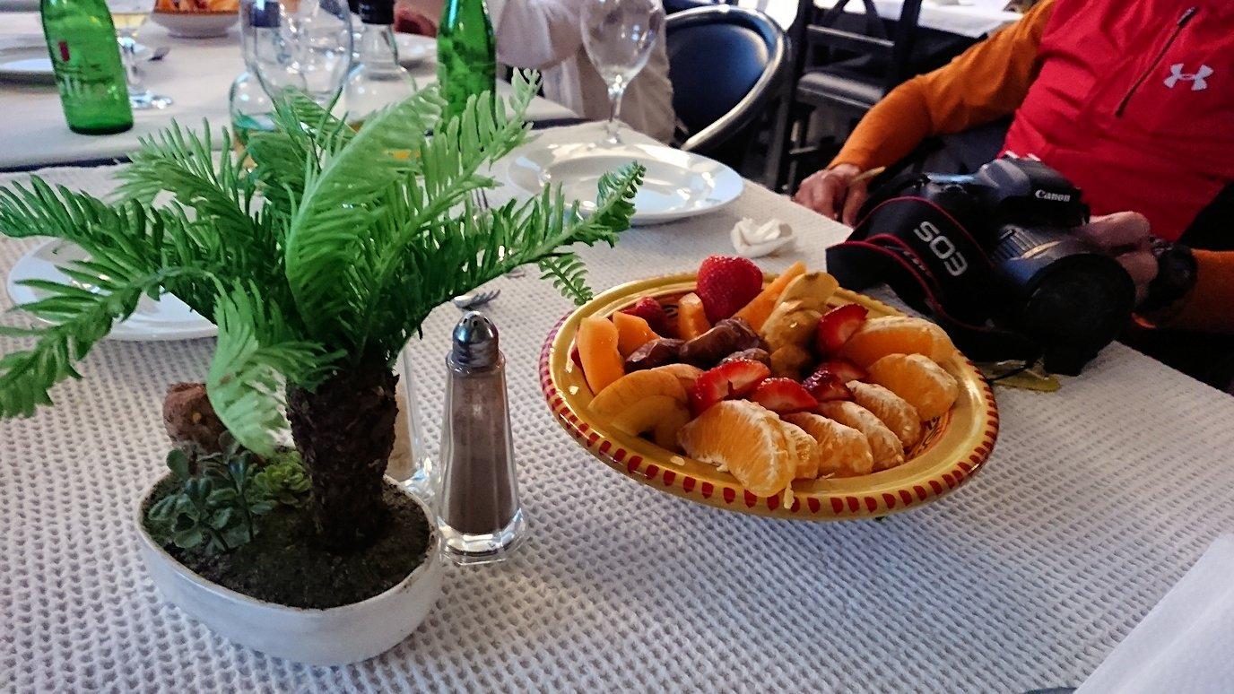 チュニジア:ラ・グレットにあるレストランで最後の晩餐を頂く5