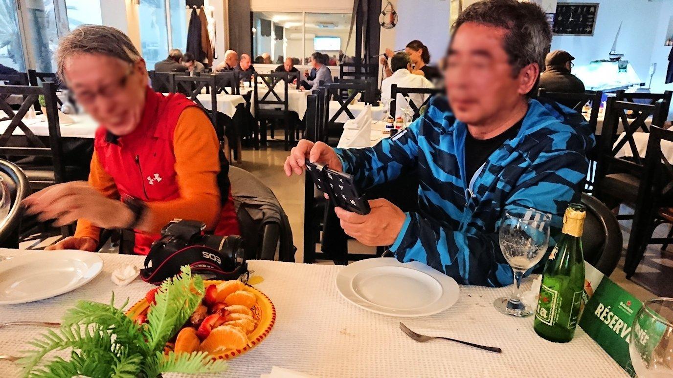 チュニジア:ラ・グレットにあるレストランで最後の晩餐を頂く6