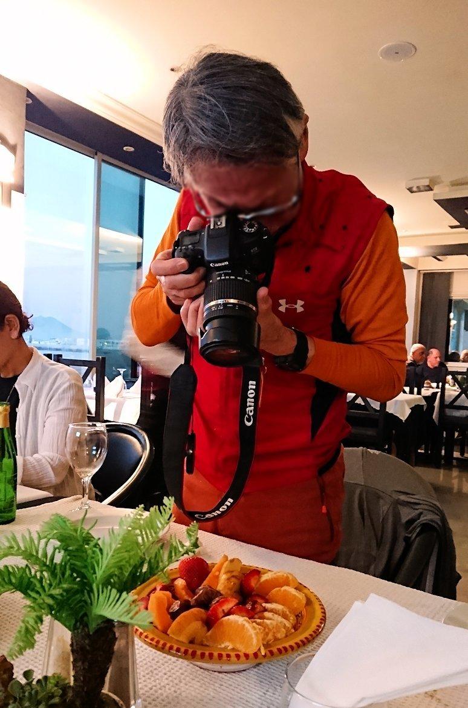 チュニジア:ラ・グレットにあるレストランで最後の晩餐を頂く7