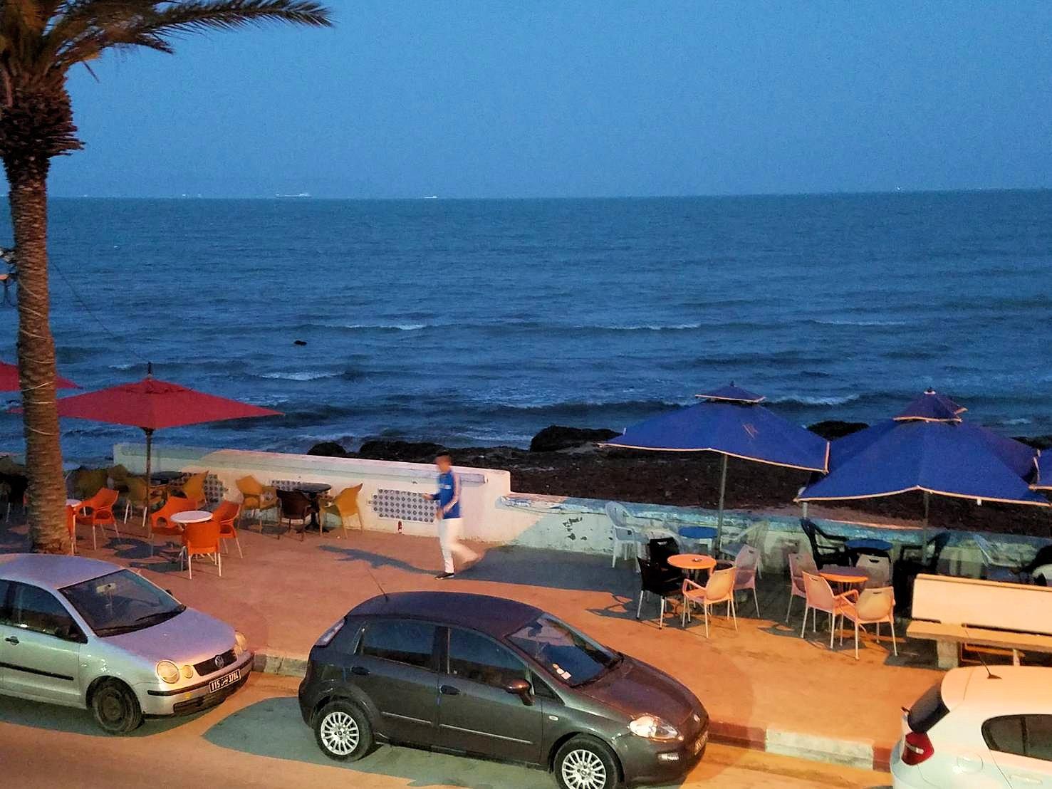 チュニジア:ラ・グレットにあるレストラン付近の景色4