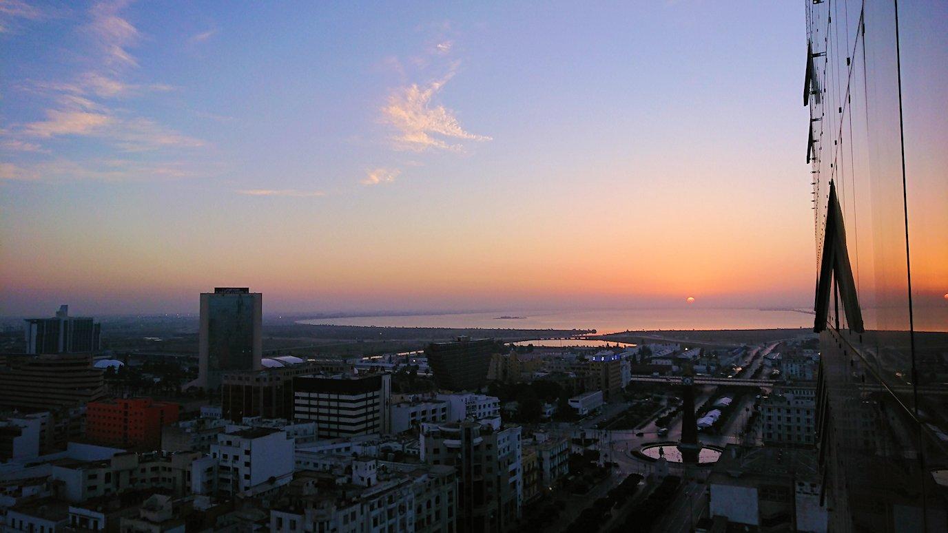 チュニジア:チュニスの朝を散歩