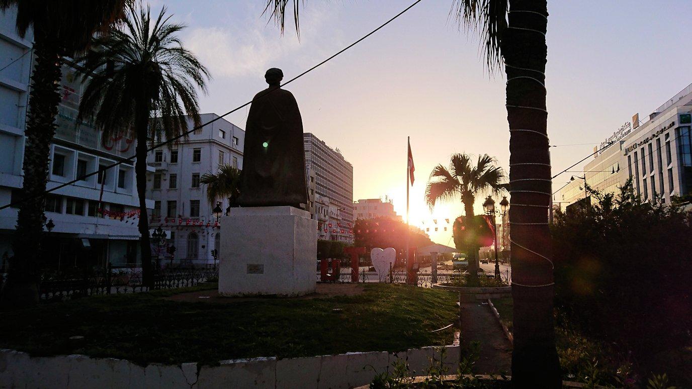 チュニジア:チュニスの朝を気持ちよく散策する4