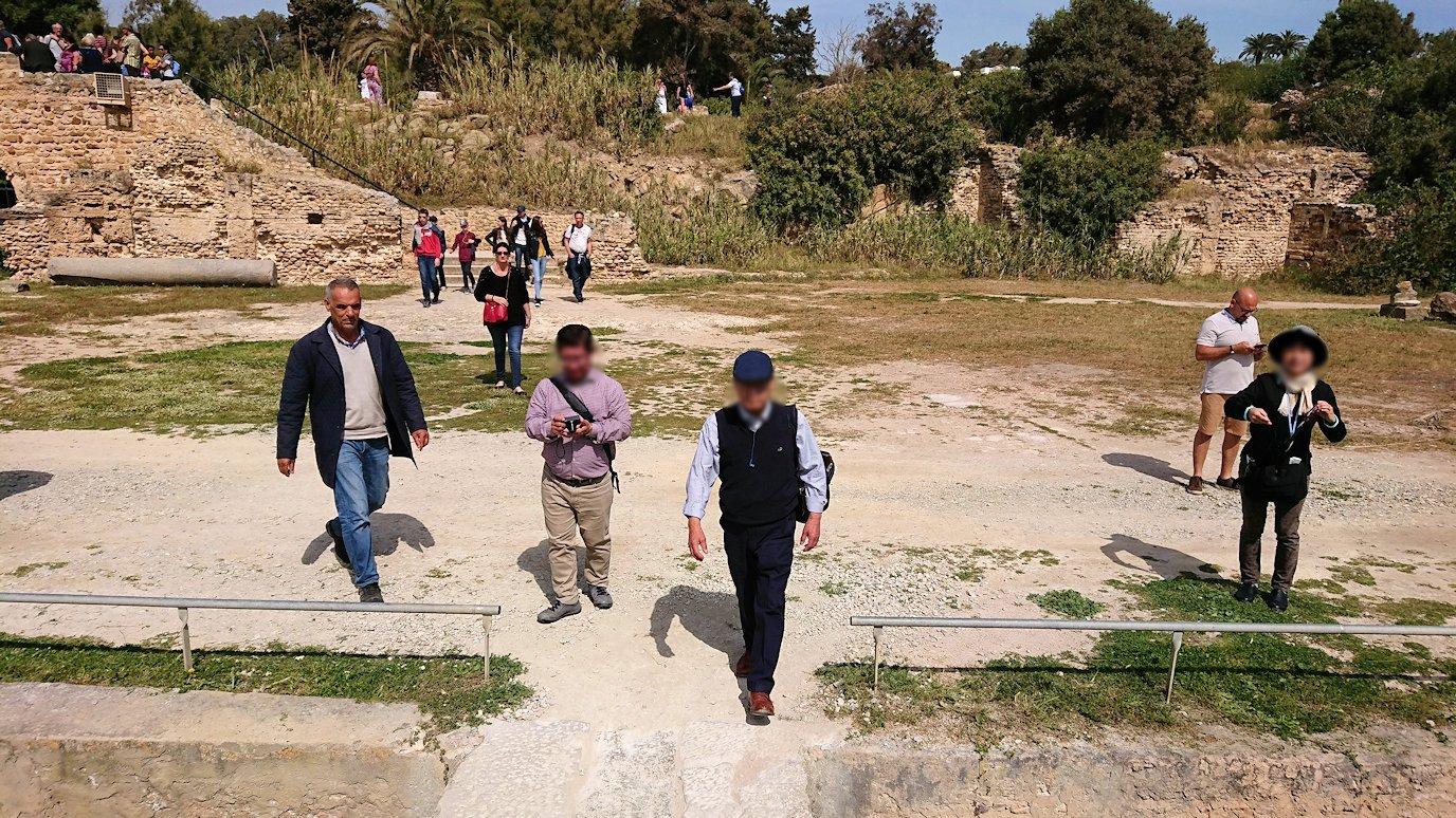 チュニジア:カルタゴ遺跡のアントニヌスの共同浴場内を見ていく