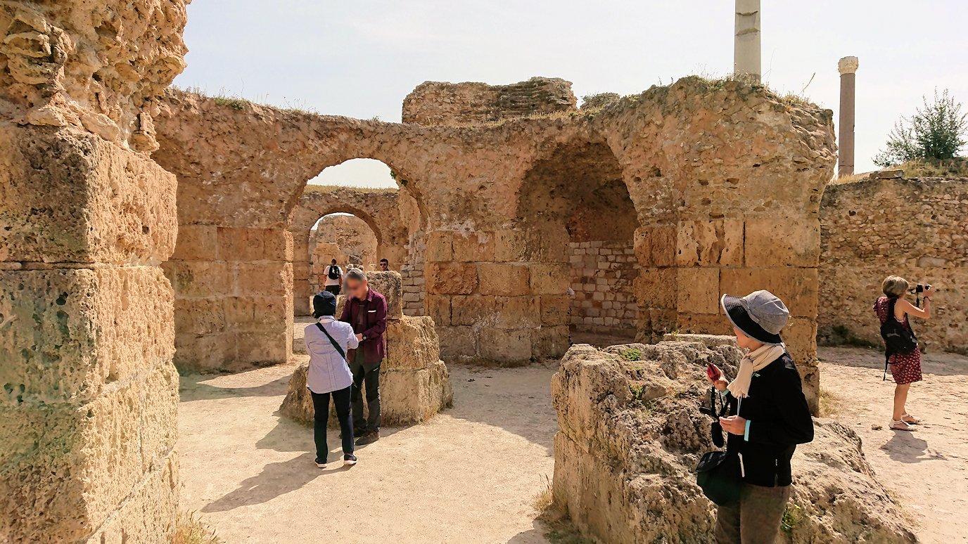 チュニジア:カルタゴ遺跡のアントニヌスの共同浴場内を見ていく3