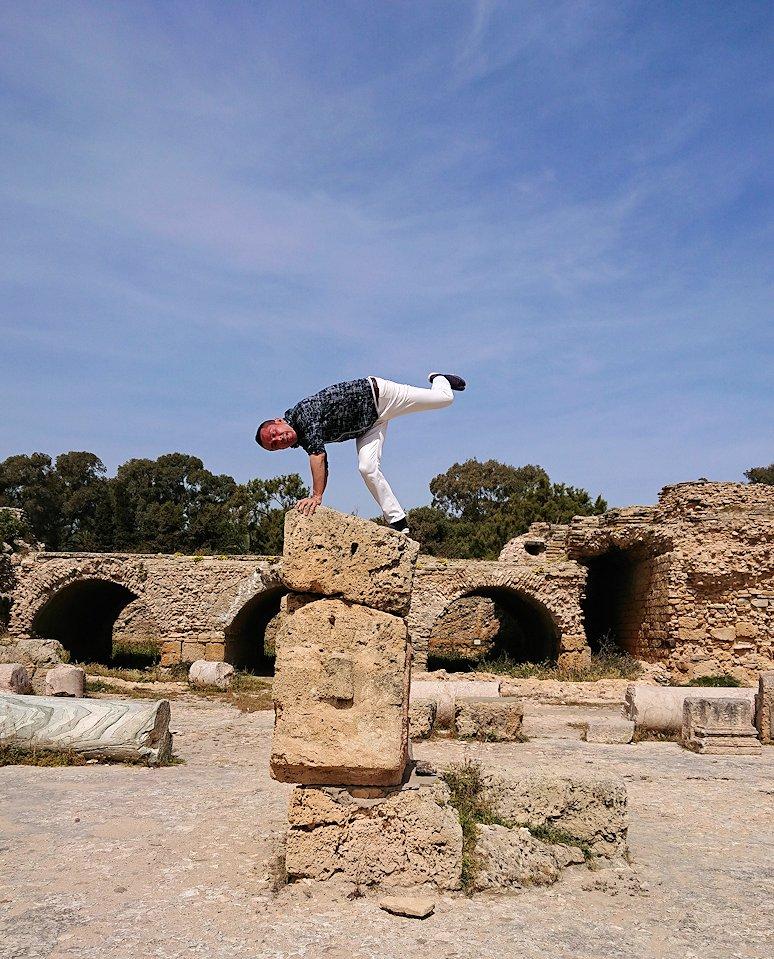 チュニジア:カルタゴ遺跡のアントニヌスの共同浴場内で激写タイム9