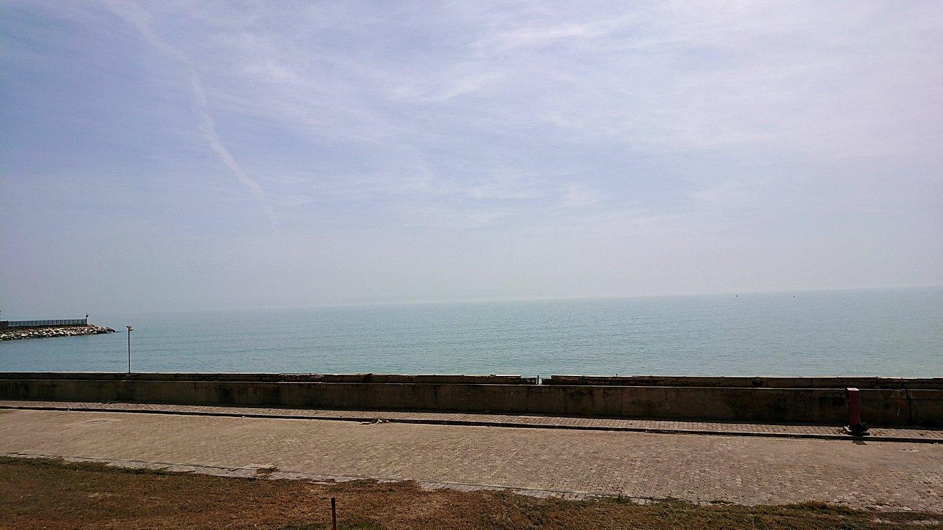 チュニジア:カルタゴ遺跡のアントニヌスの共同浴場内で最後まで粘る4