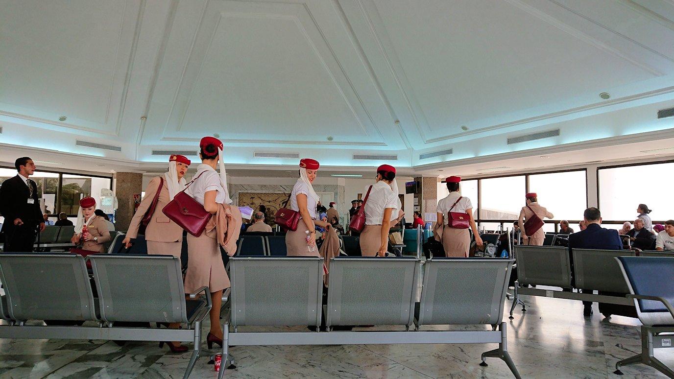 チュニジア:チュニス空港で出国の時間が迫る3