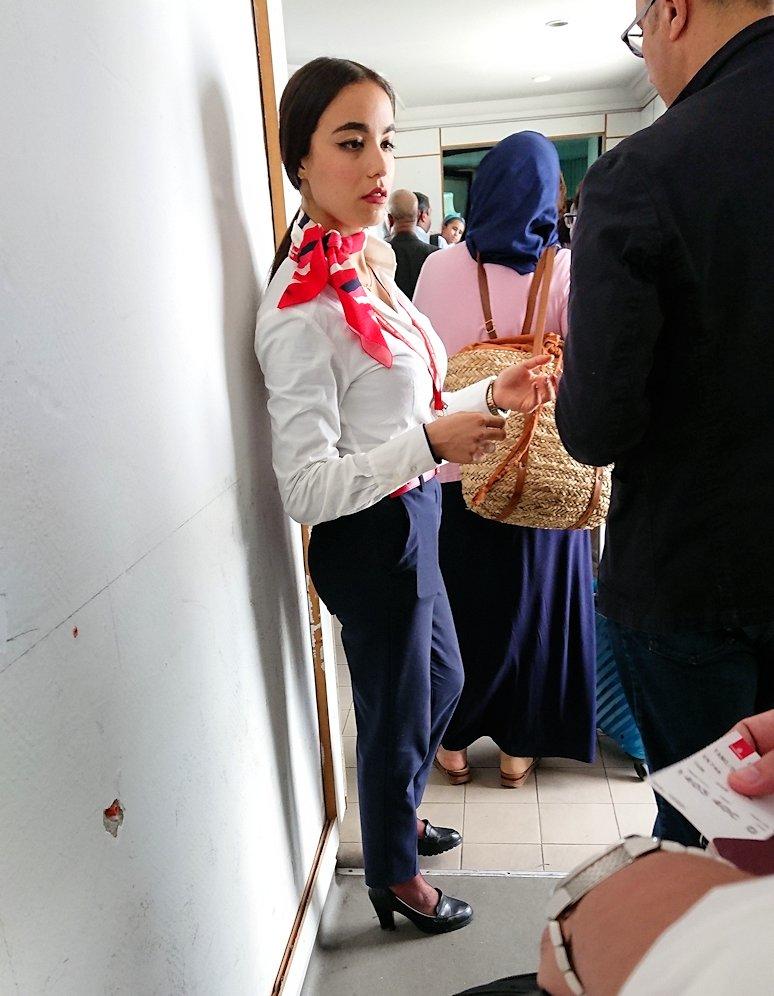 チュニジア:チュニス空港で出国の時間が迫る7