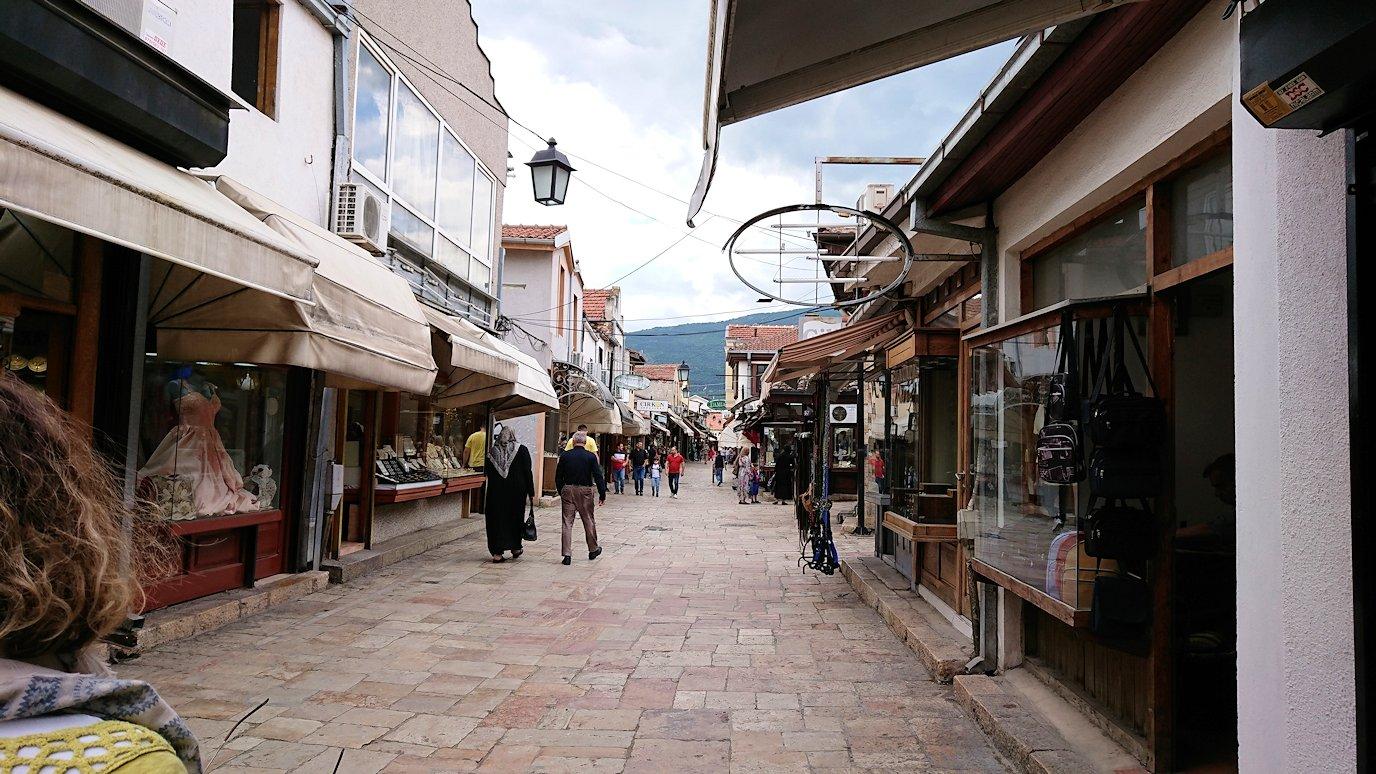 北マケドニアのスコピエ市内で観光する9