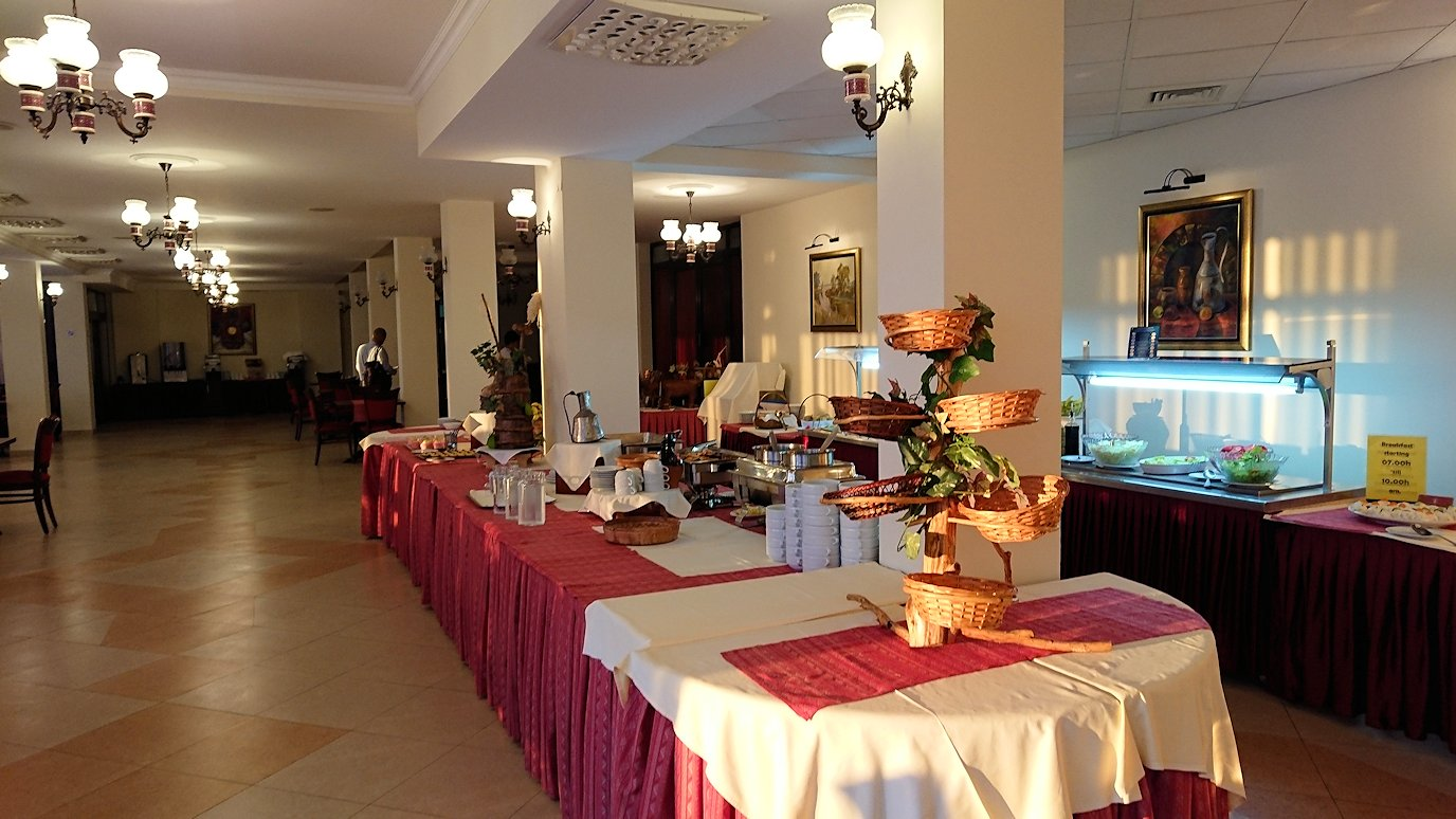 北マケドニアのオフリドにあるHotel Inex Gorica(ゴリツァ・イネックス)で夕食を食べる7