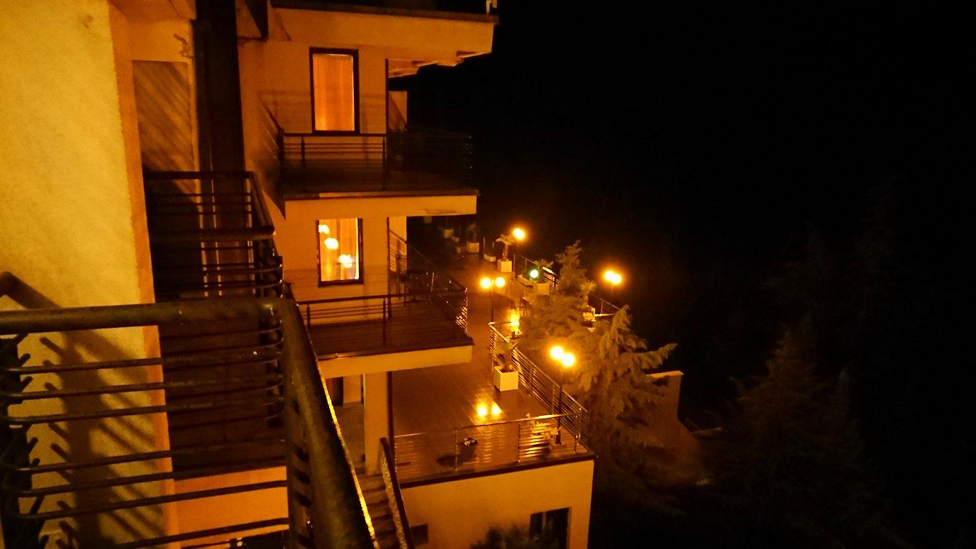北マケドニアのオフリドにあるHotel Inex Gorica(ゴリツァ・イネックス)で晩飯を楽しんでその後晩酌を7