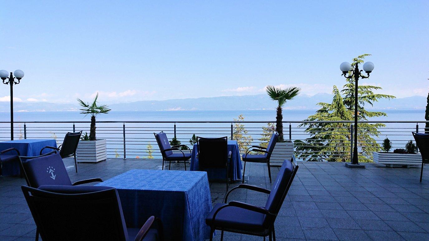 北マケドニアのオフリドのホテルで朝食を食べて出発