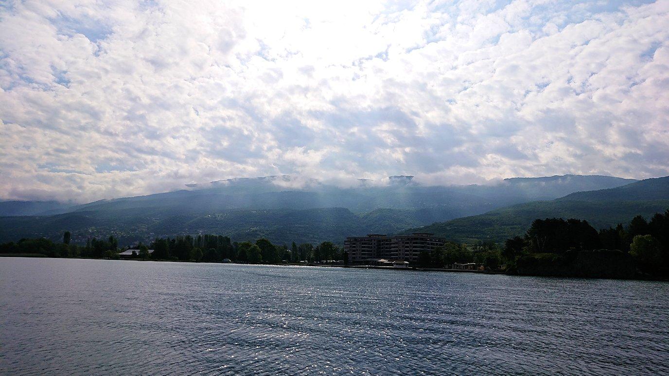 北マケドニアのオフリド湖クルーズを楽しむ1