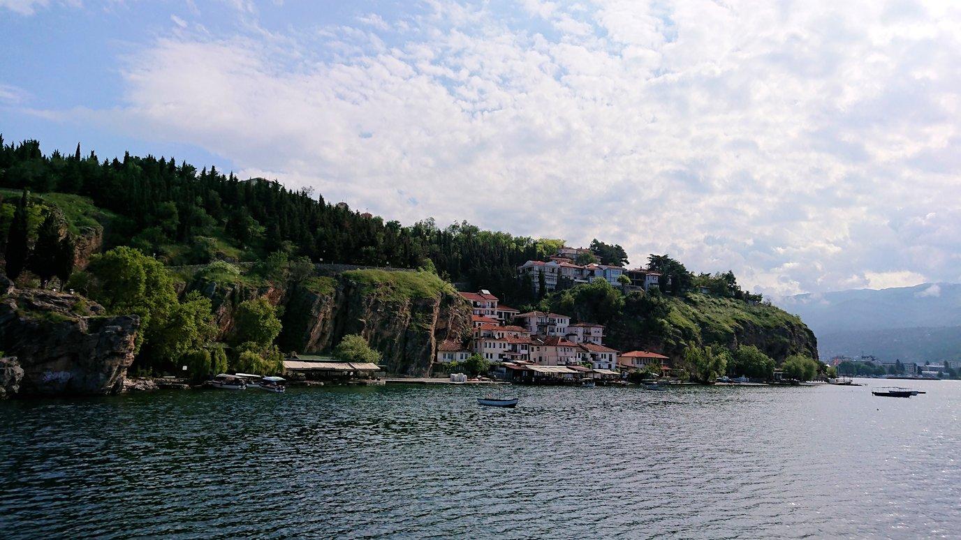 北マケドニアのオフリド湖クルーズを楽しむ9