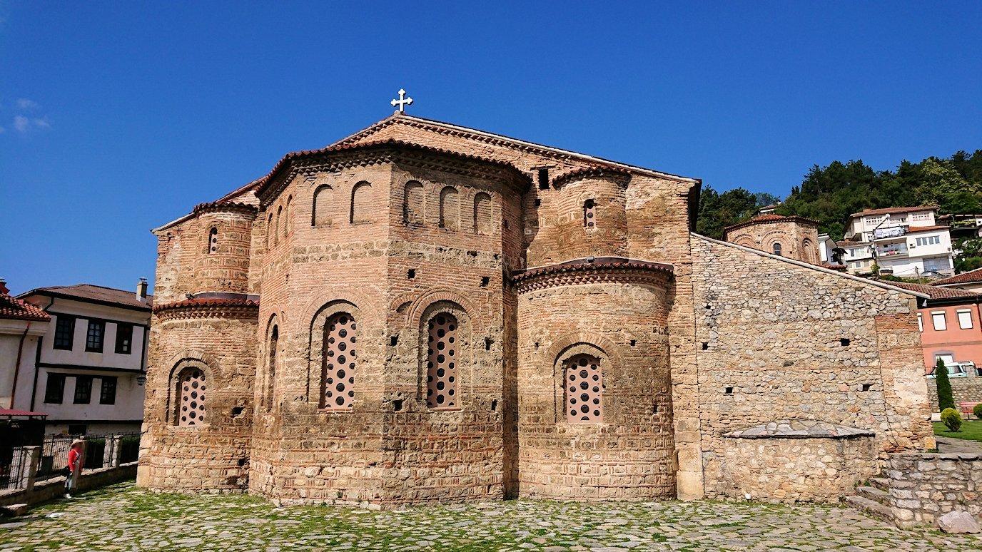 北マケドニアのオフリド湖遊覧終了しオフリドの街を歩いて聖ソフィア教会に到着5