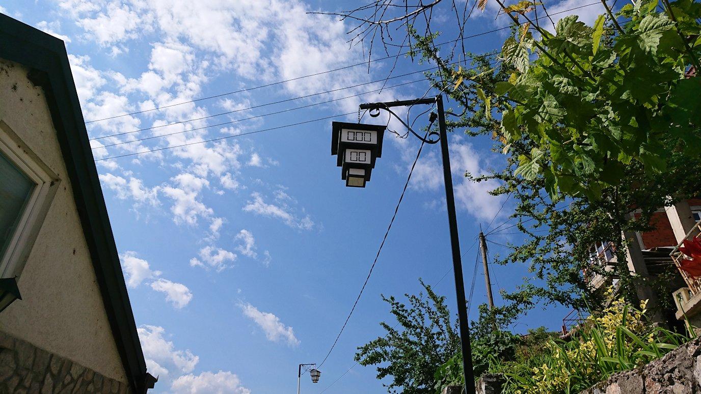 北マケドニアのオフリド旧市街地を歩いて進みます9