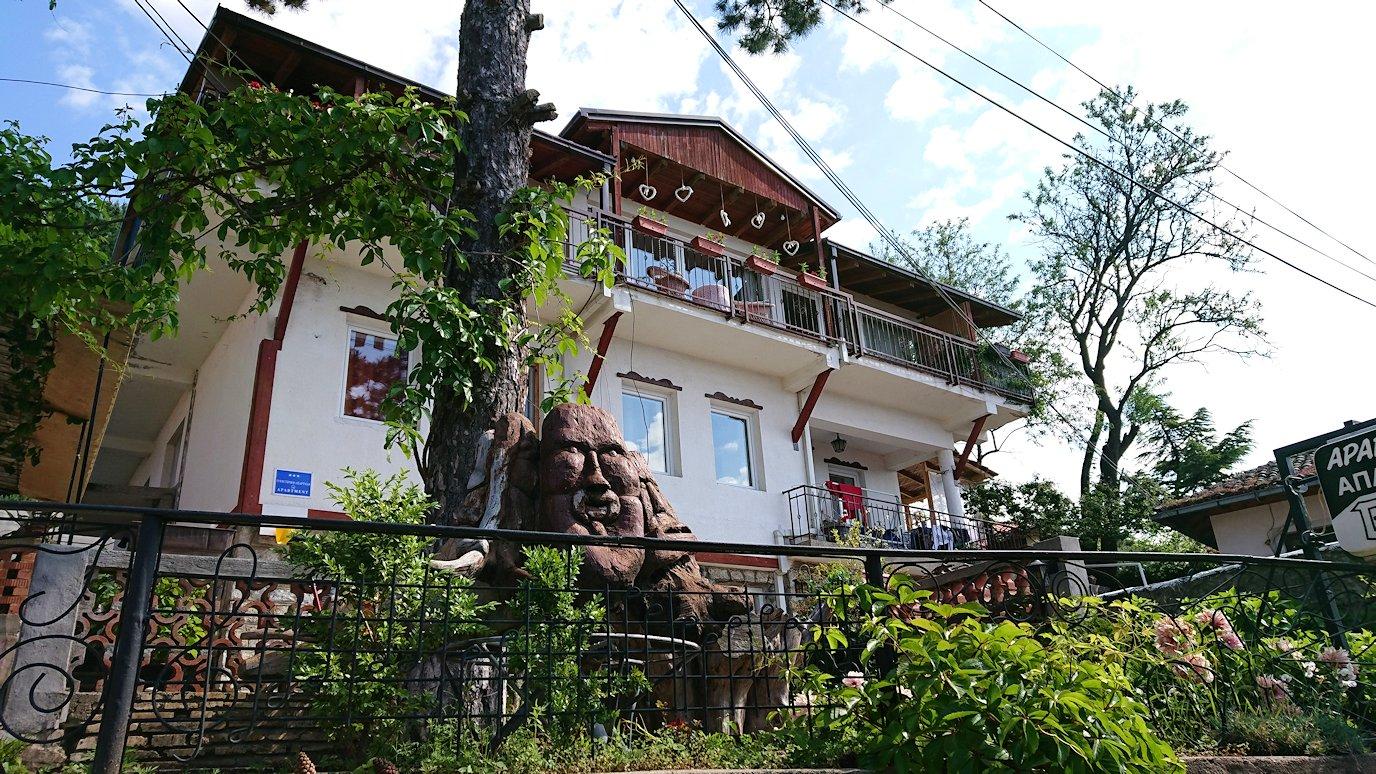 北マケドニアのオフリド旧市街地を前に進んで行きます4