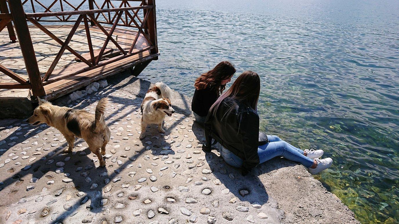 北マケドニアのオフリドで湖岸沿いを散策9