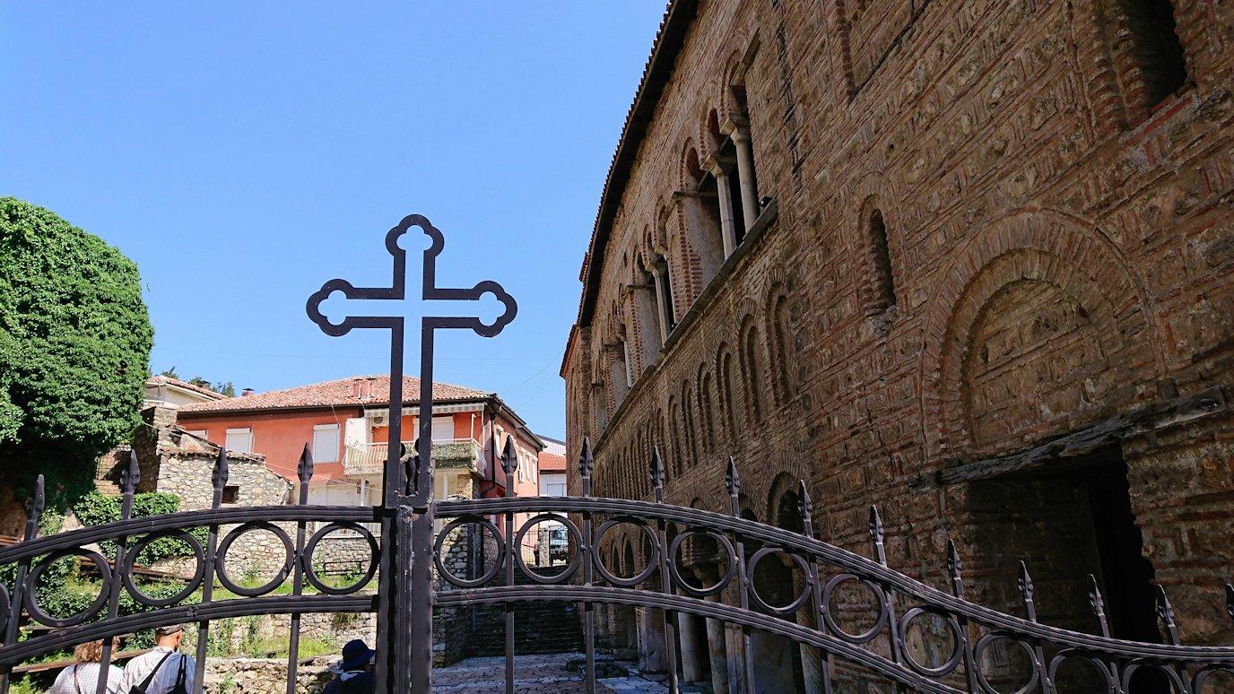 北マケドニアのオフリドで湖岸沿いを歩き聖ソフィア教会に戻る8