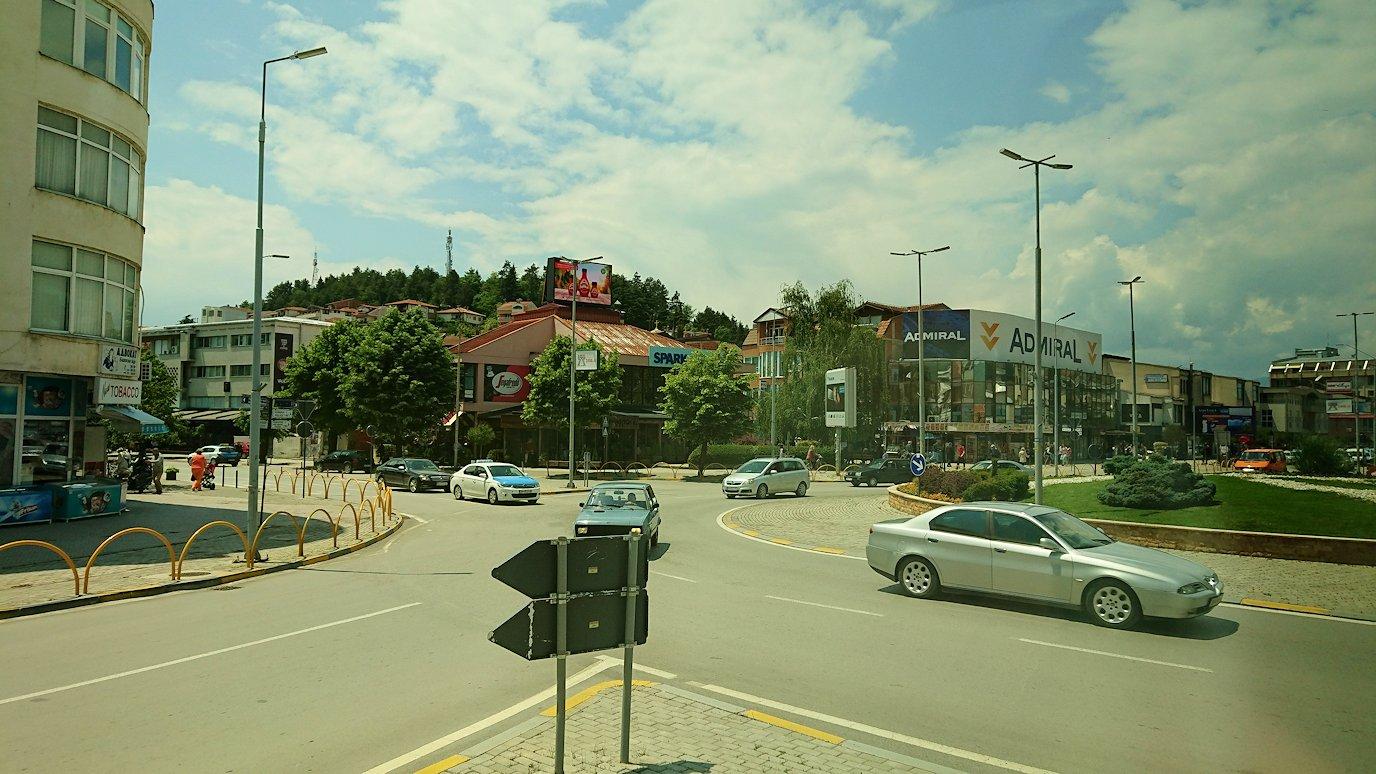 北マケドニアのオフリドでバスに乗る5