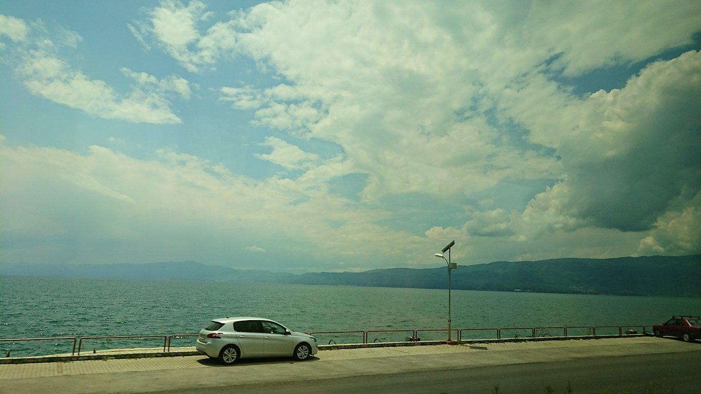 北マケドニアのオフリドでバスに乗る8