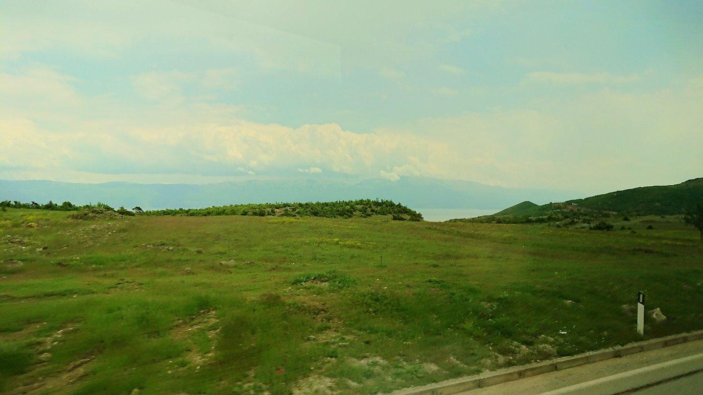 北マケドニアの国境を越えてアルバニアに入る5