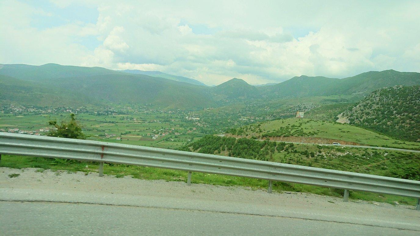 北マケドニアの国境を越えてアルバニアに入る7