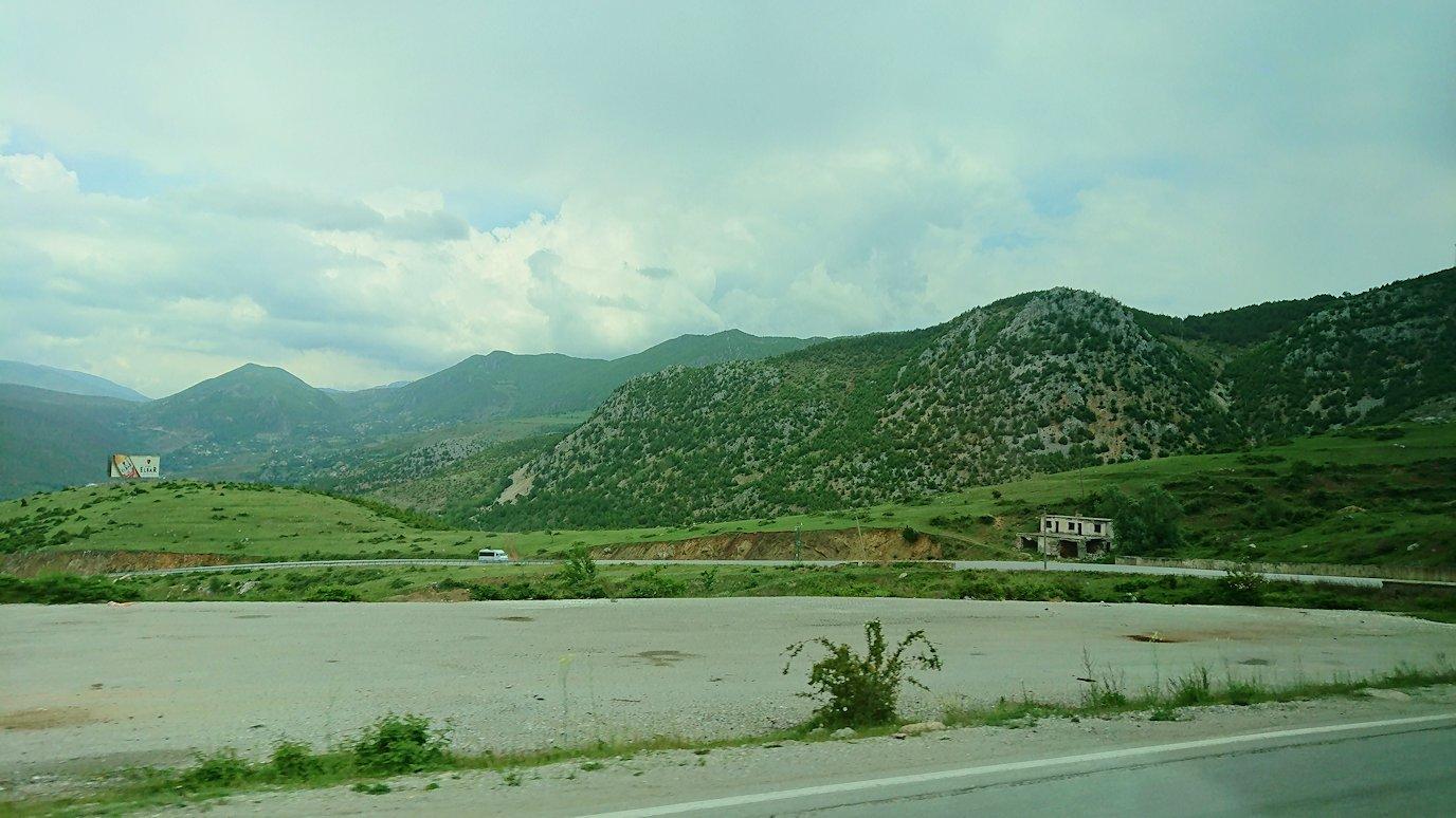 北マケドニアの国境を越えてアルバニアに入る8