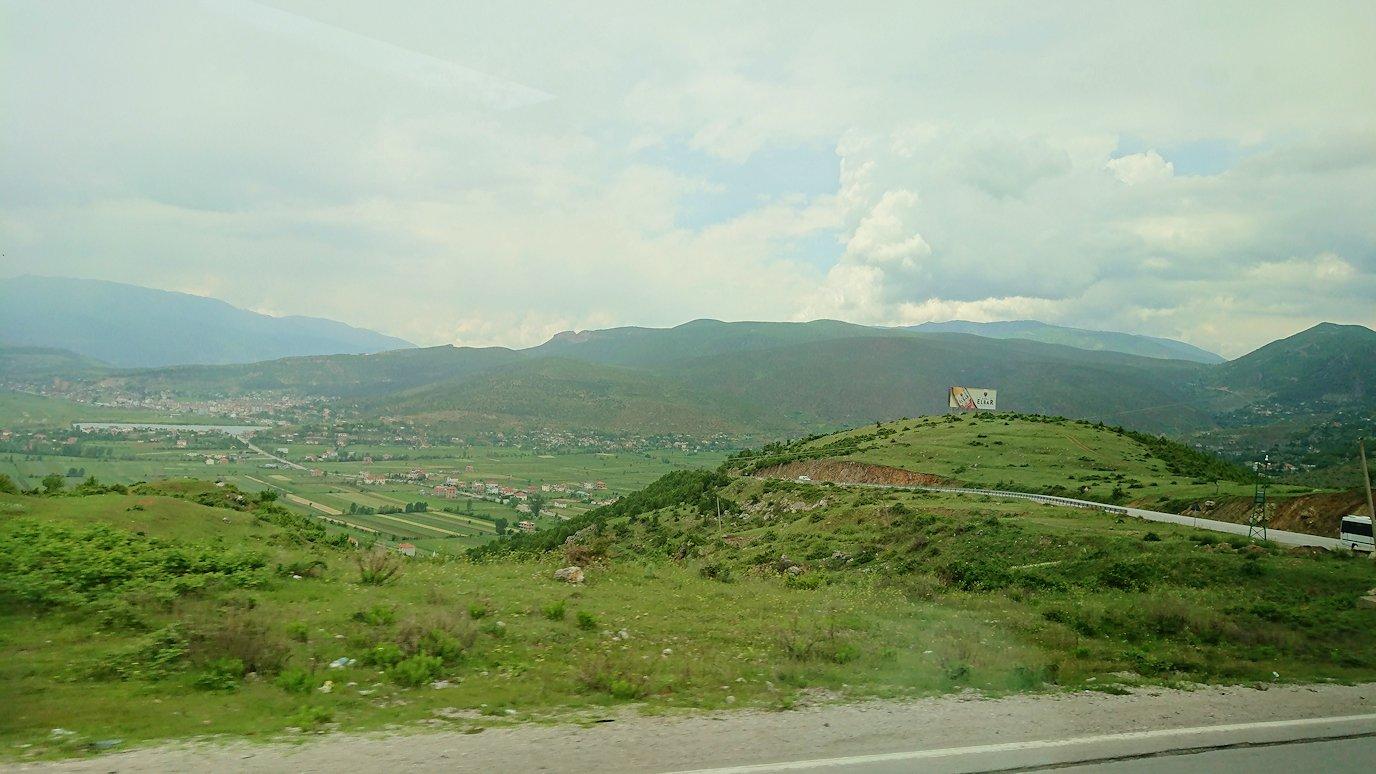 北マケドニアの国境を越えてアルバニアに入る9