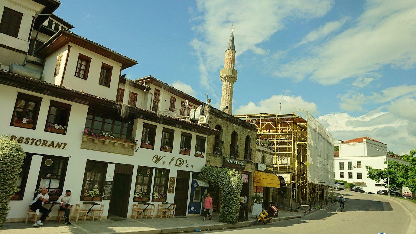 アルバニアで世界遺産のベラトの街に到着6