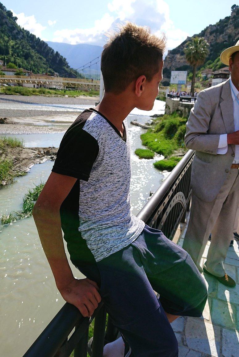 アルバニアで世界遺産のベラトの街に到着2
