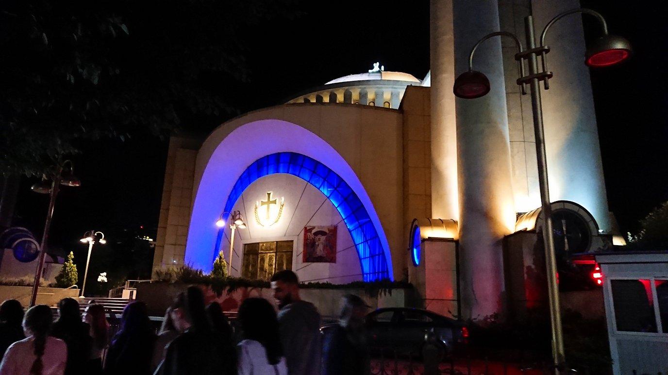 アルバニアで首都ティラナで夜の街を散策2