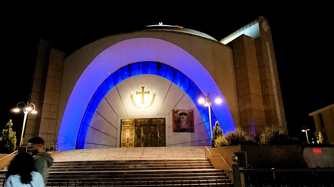 アルバニアで首都ティラナで夜の街を散策3