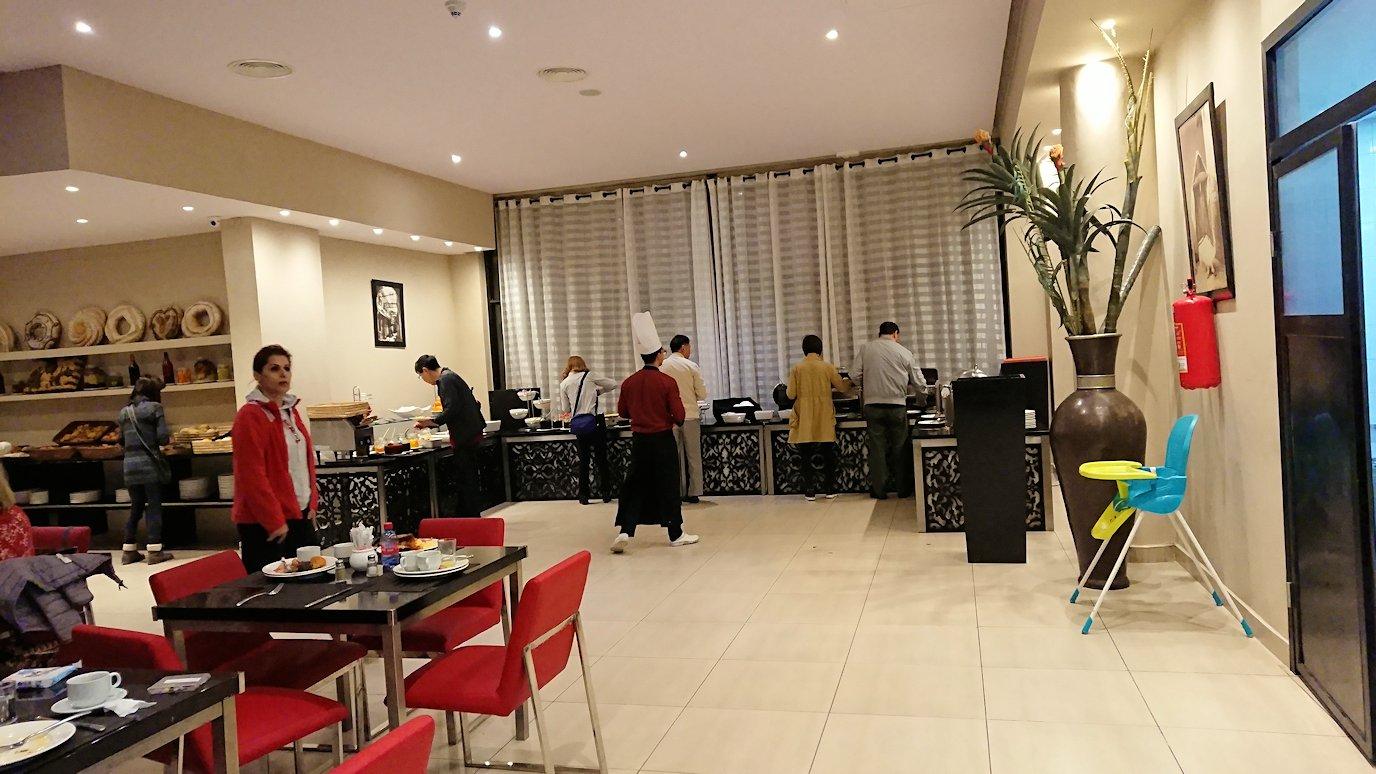 マラケシュのアダムパークホテルにて朝食バイキングで朝食を食べますよ1